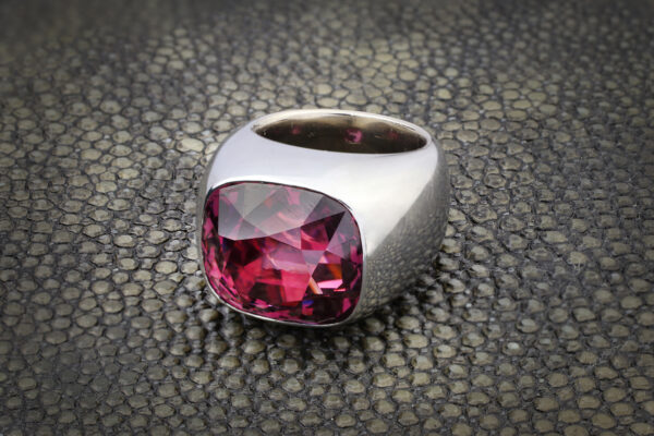 Hemmerle Spinel Ring» Price On Request «