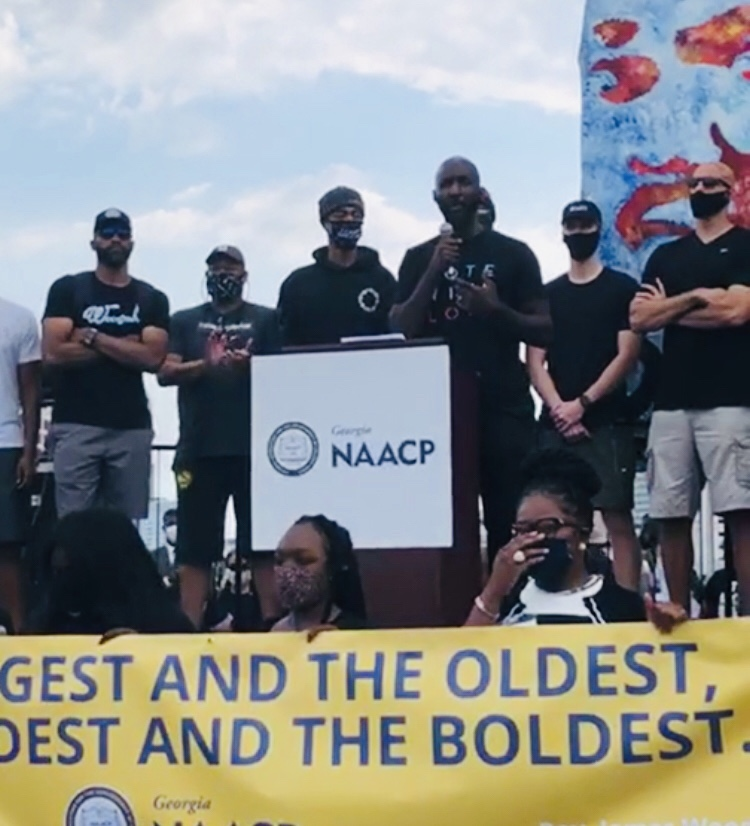 Atlanta Hawks and Lloyd Pierce joins NAACP in peaceful March in Atlanta