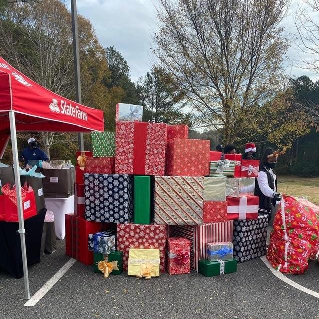 Atlanta Hawks and State Farm Season of Giving