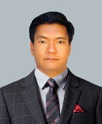 Pema Khandu leads Congress Govt. in Arunachal