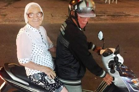 When the travel bug bites Granny Lena…