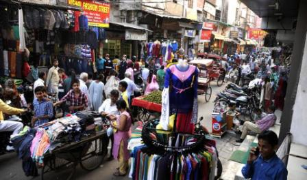 Pedestrians face difficulties in India