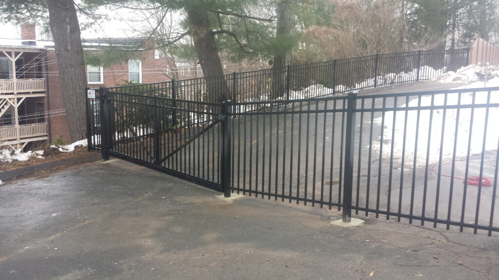 Commerical Grade Aluminum Gate
