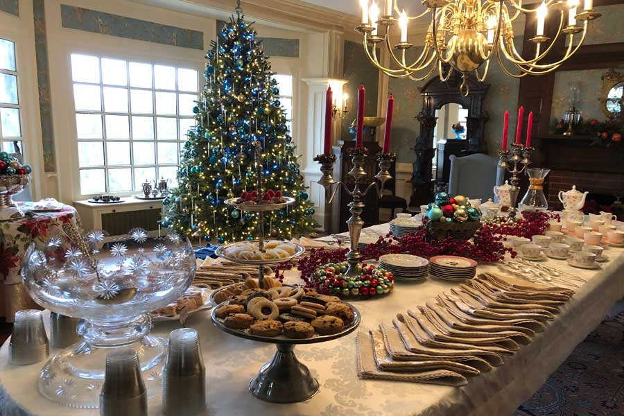 a christmas party at the inn at forest oaks