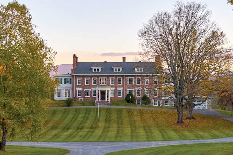 the inn at forest oaks front lawns natural springs virginia