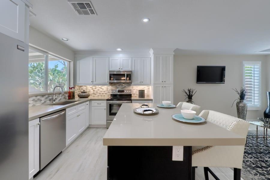white shaker cabinets in arizona