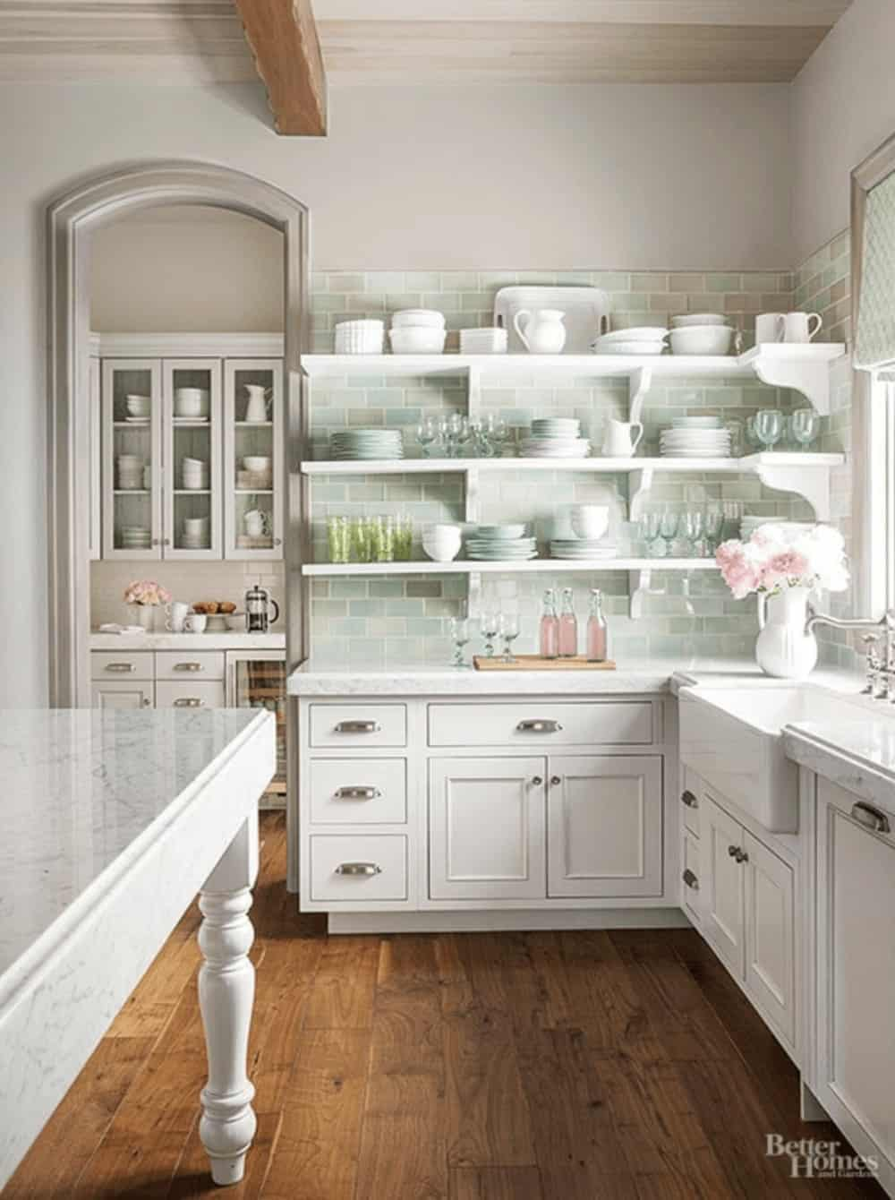 Kichen Shelves and Cabinets