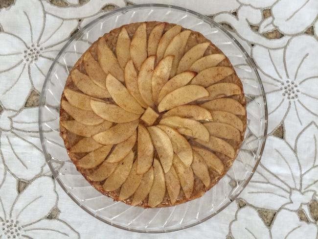 finished apple tart