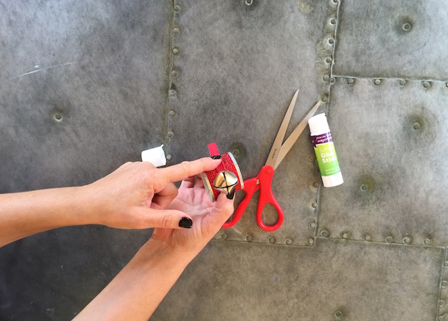 glue ribbon with bell to ring