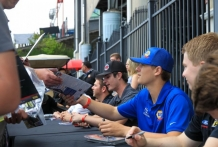 Autograph session with Todd