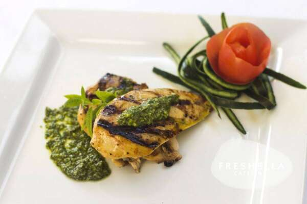 Grilled chicken breast with pesto sauce