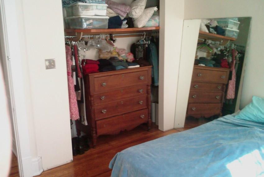 228 L.A.#201 Bedroom Closet wall