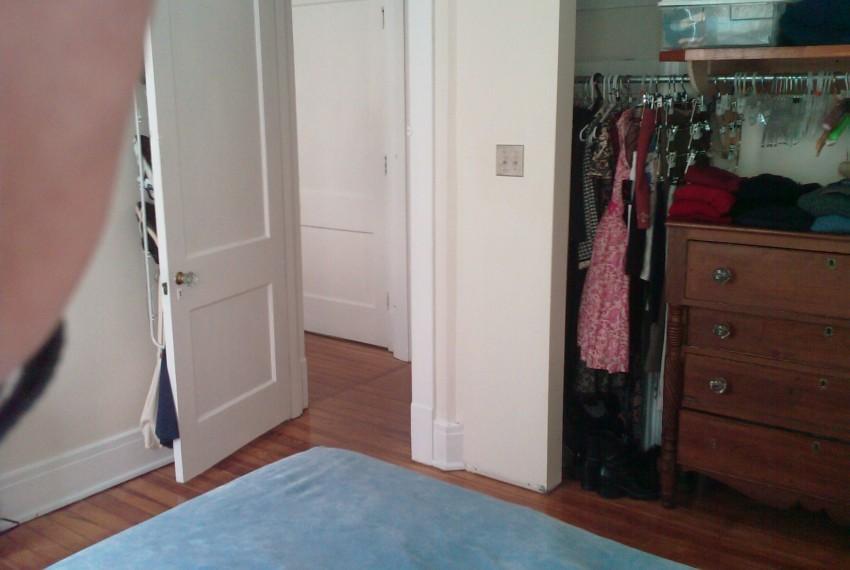 228 L.A.#201 Bedroom & Door