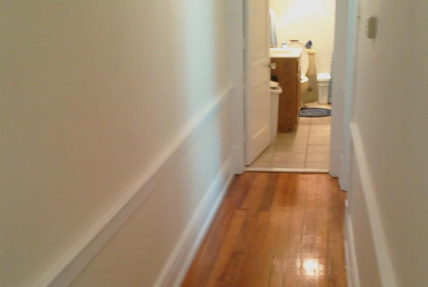 228 L.A.#201 Hallway & Bathroom