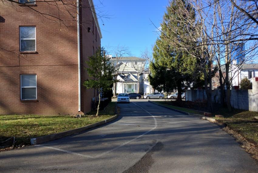 250LA Driveway 2