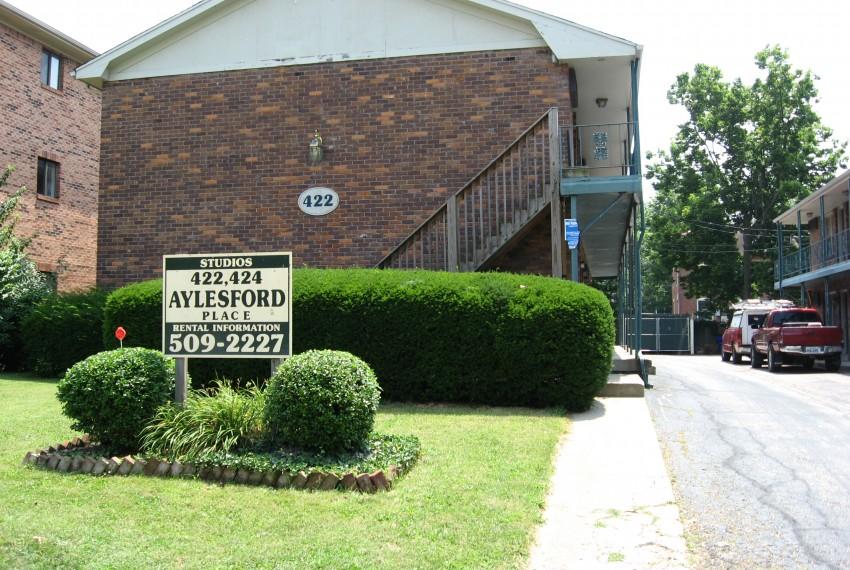 422 AP Exterior sign & bldg