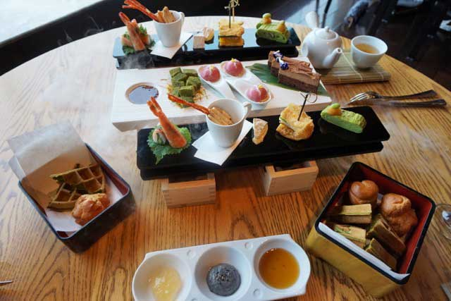 The Nobu InterContinental Hong Kong T-Set is a feast.
