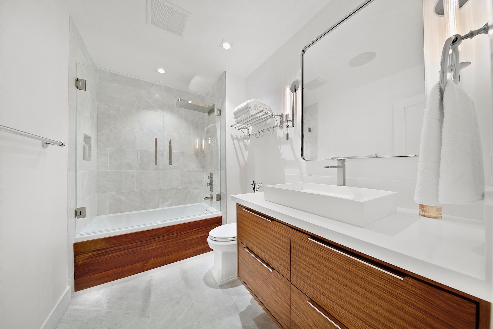 Soledad Mountain Bath