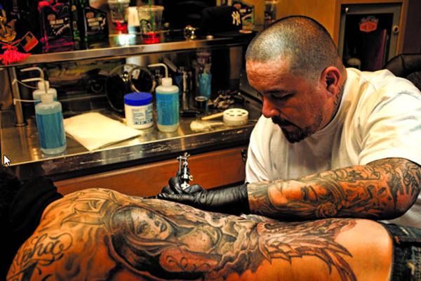 Tattoo Artist to the Stars