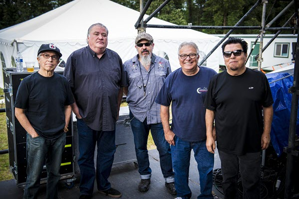 Still rocking: Los Lobos' Louie Pérez talks music, America and 45 years on the road