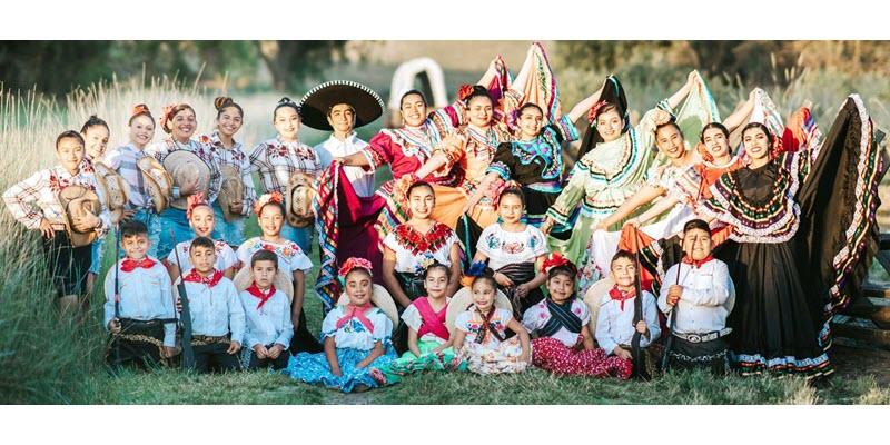 Ballet Folklorico Estrellas de Mexico dances in Los Angeles