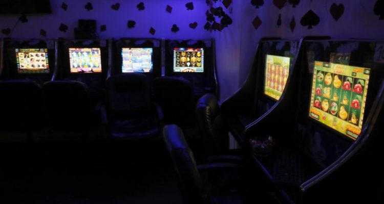 PDI allana casinos ilegales en Santiago Centro