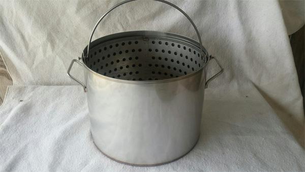 Steamer Pots/Tongs