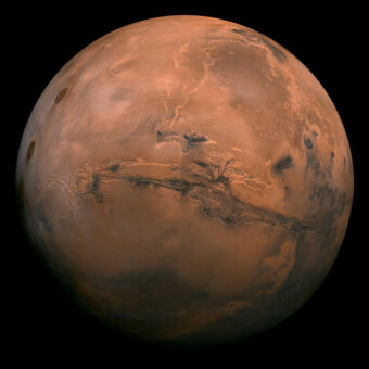 ISRO's MOM Study Reveals that Mars is Losing its Atmosphere Faster than Earth