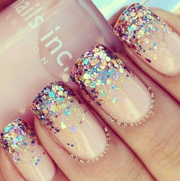 Carga tus uñas con escarcha