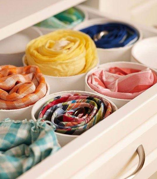 Las corbatas y cinturones puede ubicarse en recipientes pequeños