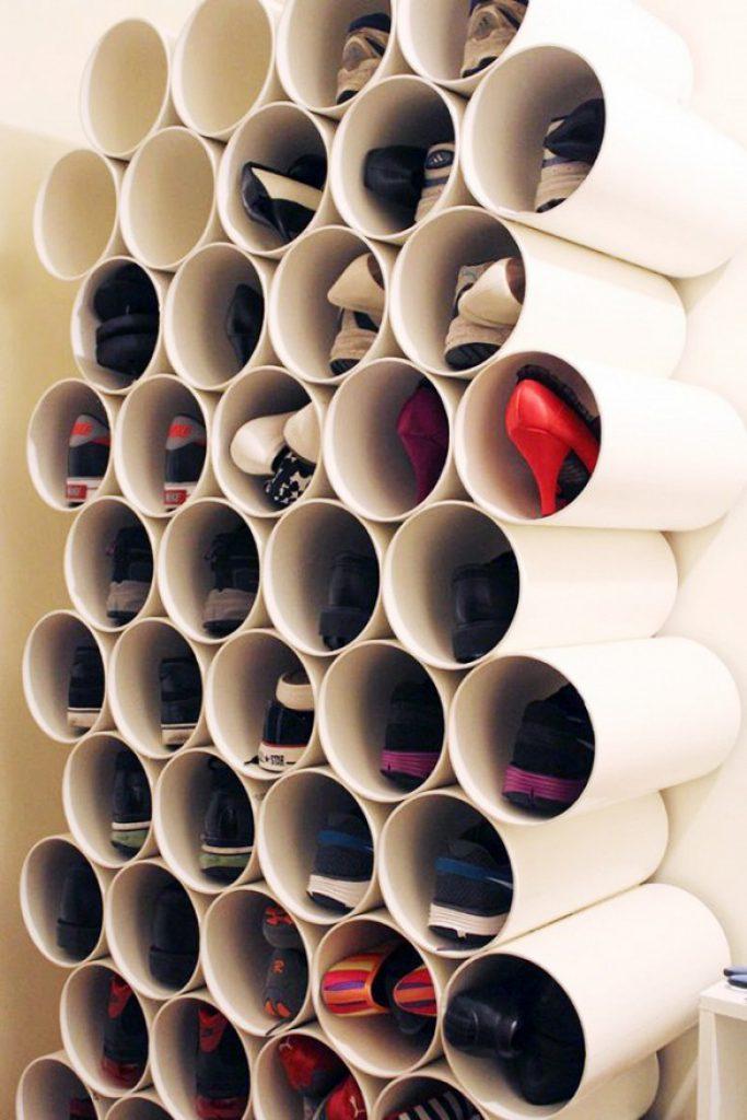 Tubos de plástico para organizar tus zapatos
