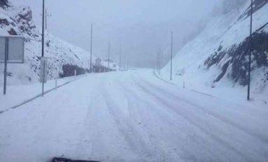 Cierra Protección Civil carreteras por intensas nevadas
