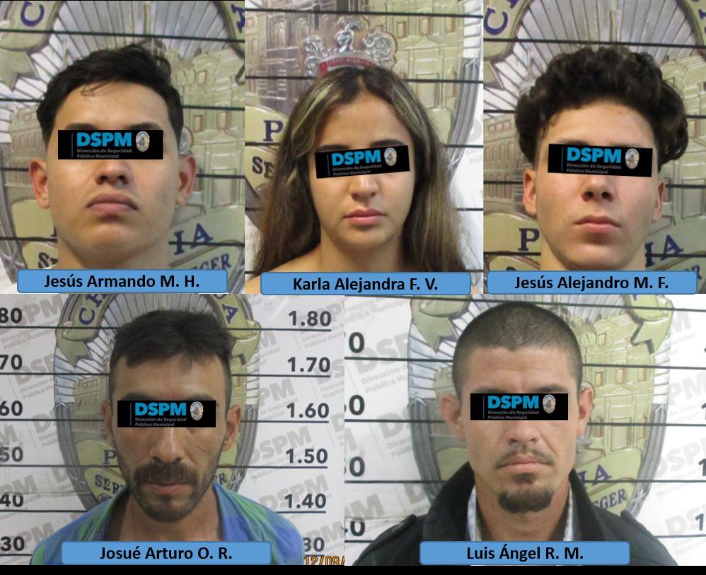 Cuatro hombres y una mujer remitidos por viajar en autos robados