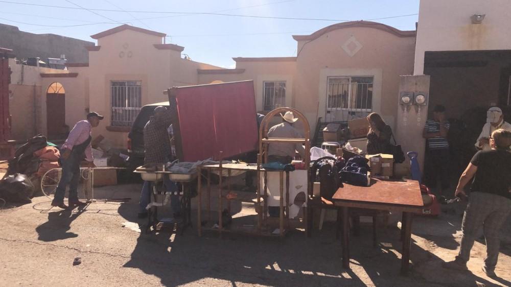 Desalojan a familia en Villas de Rey; tenía 12 años viviendo ilegalmente