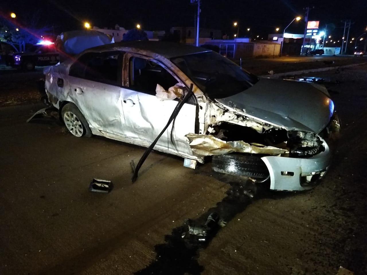 Muere policía municipal en aparatosa volcadura en su auto particular