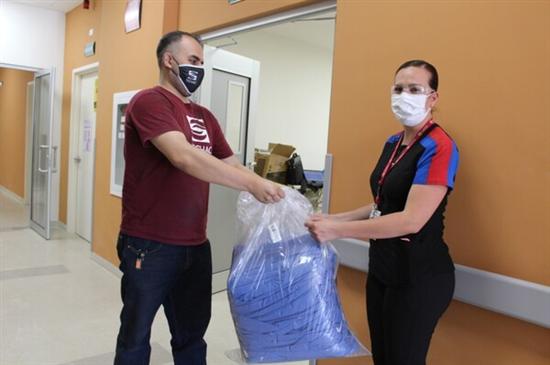 Municipio y FECHAC entregan insumos médicos al ISSSTE