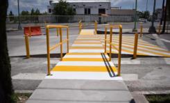 Gobierno Municipal construye paso peatonal sobre avenida Antonio de Montes