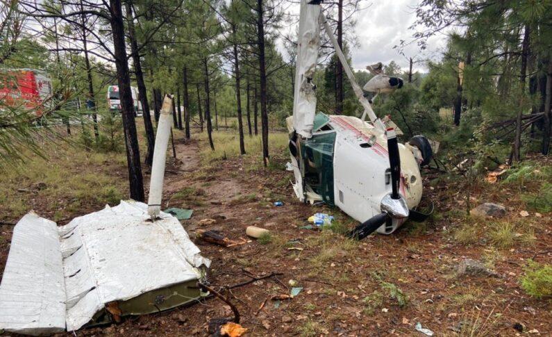 Se desploma avioneta en Creel y deja cuatro heridos; ya fueron identificados