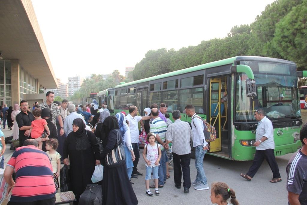 787 نازحا سوريا عادوا طوعيا الى بلداتهم