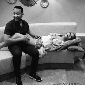 rs_600x600-151012171103-600-john-legend-chrissy-teigen-mv-101215