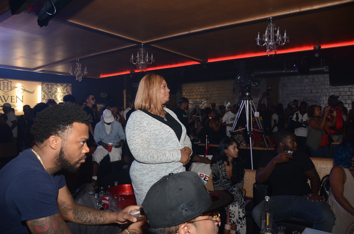 Talent agent and entrepreneur Deb Antney watching an artist performance on the AMS Music Entertainment Soundstage (Photographer Briana Crudup Hip Hop Weekly Staff Photographer)