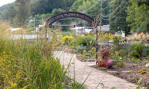Entrance to Flowering Bridge