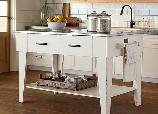 0925_farmhouse_kitchen_island
