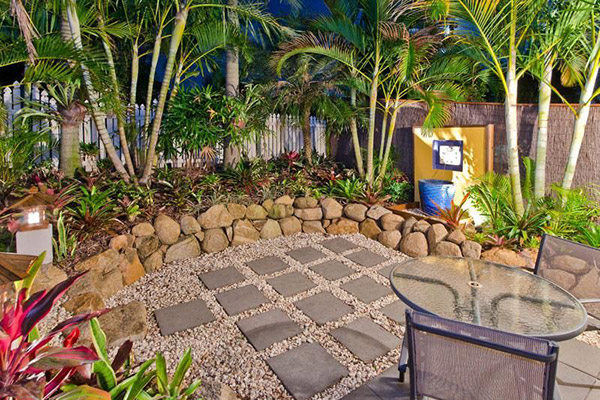 tropical patio landscaping