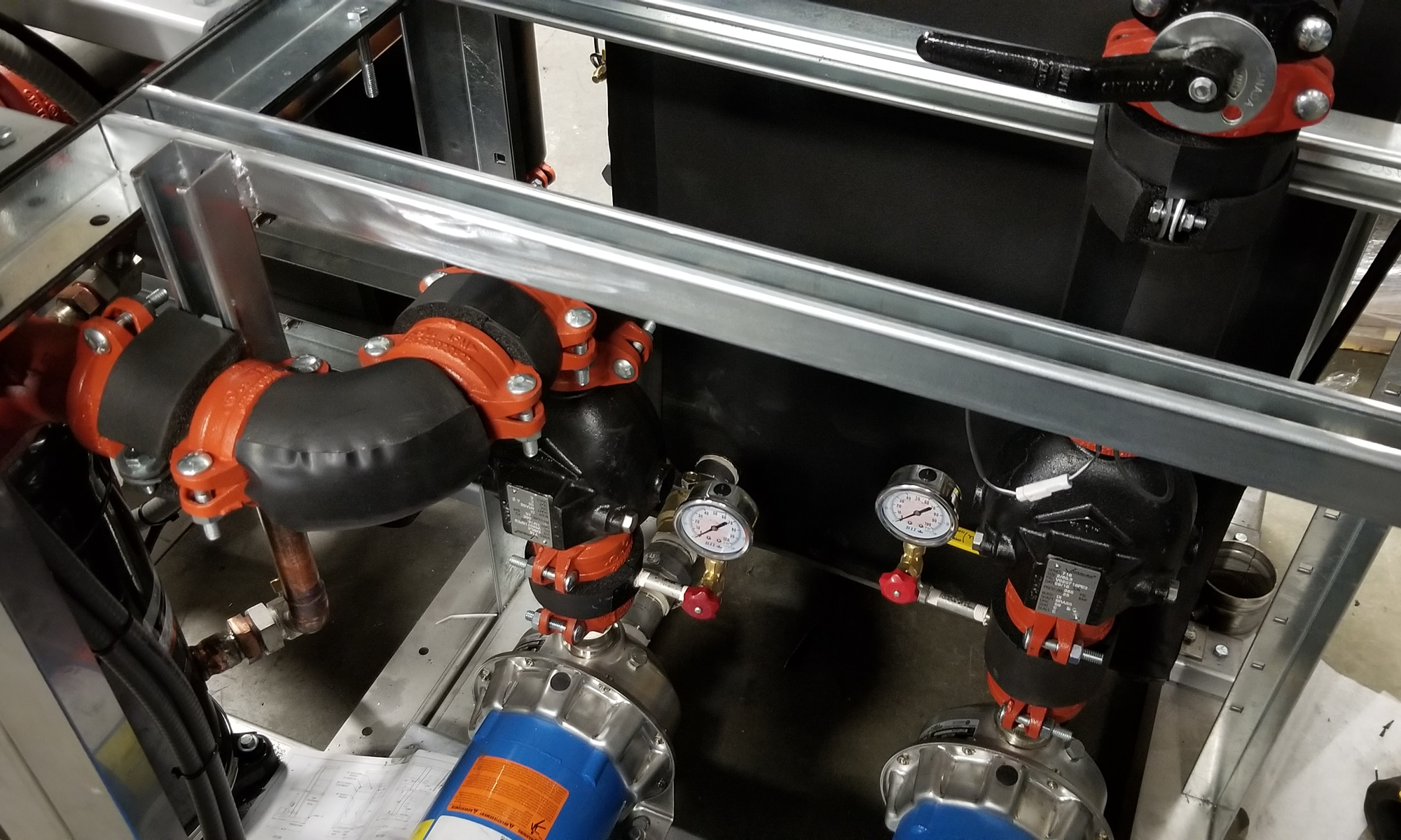 Chiller with a Built in Double Pump Tank Set
