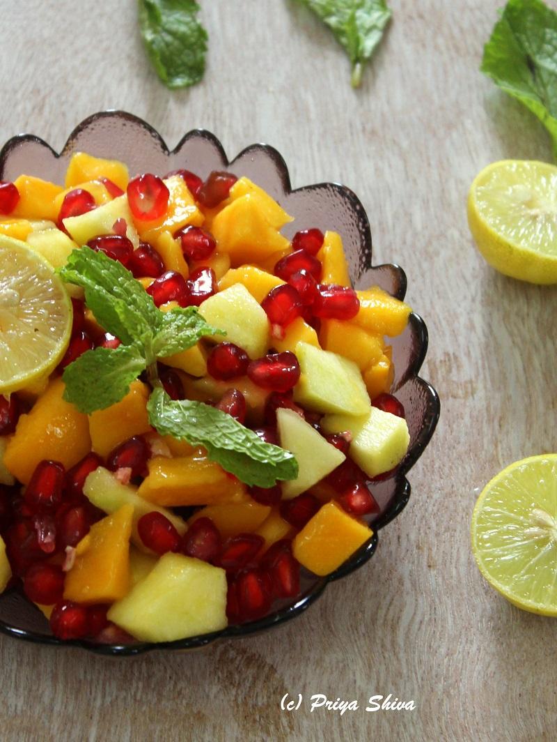 Mango apple salad with Pomegranate Dressing
