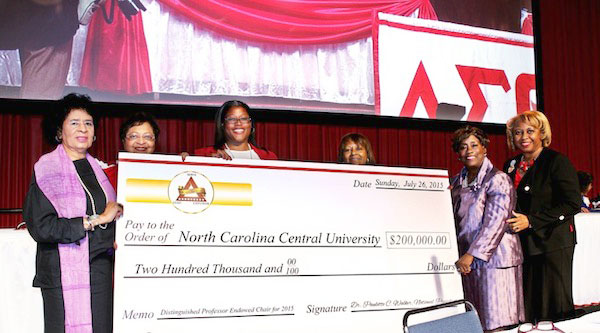 (Pictured L to R) Dr. Thelma T. Daley, 16th National President, Delta Sigma Theta Sorority Inc.; Delta Sigma Theta Sorority Inc. members; Dr. Harriet F. Davis, Vice Chancellor, NCCU Institutional Advancement; Dr. Paulette Walker, National President, Delta Sigma Theta Sorority Inc.; Dr. Joan Prince, Chair, Distinguished Professor Endowed Chair Task Force