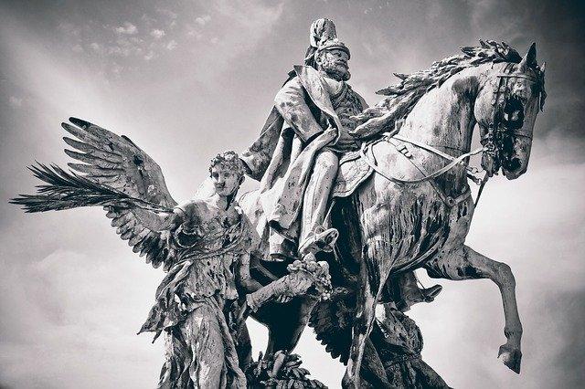 Statue Emperor Sculpture Monument