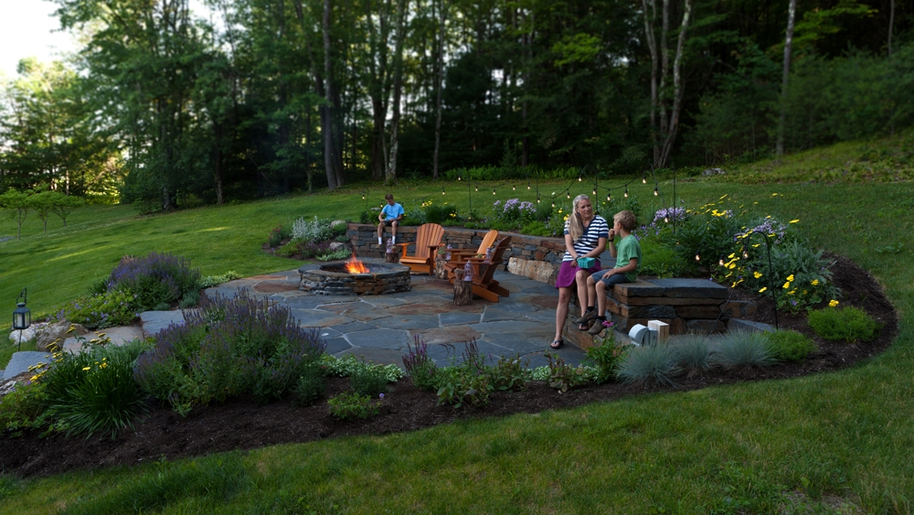 Columbia-county-firepit-and-garden-family-time