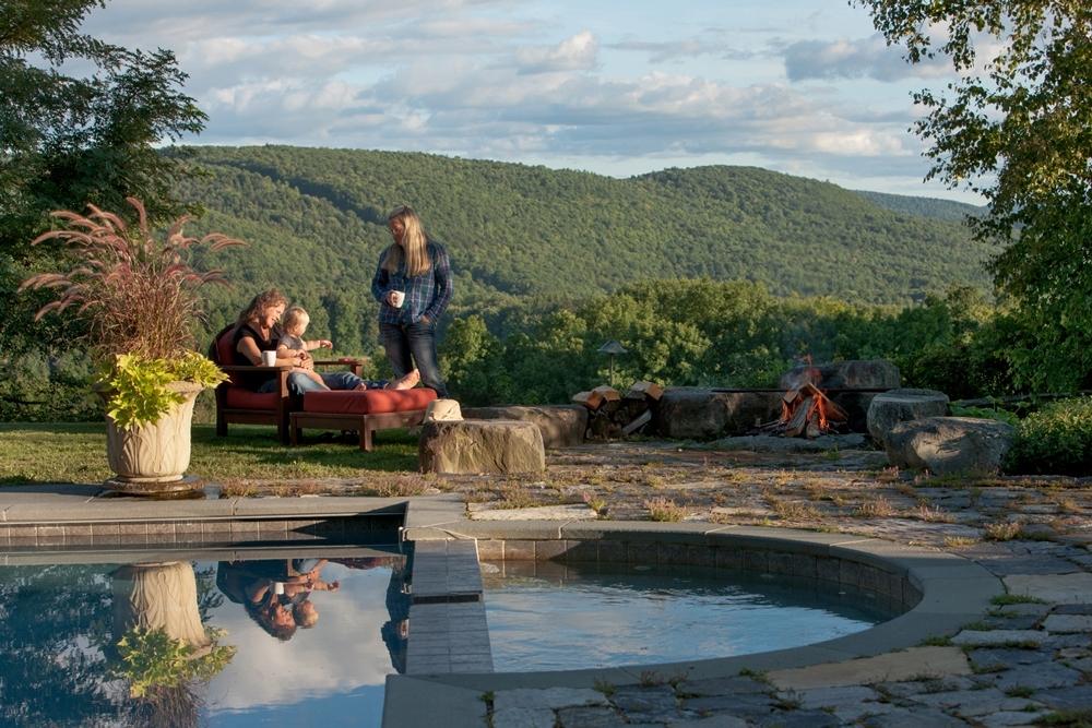 Firepit,-pool,-family